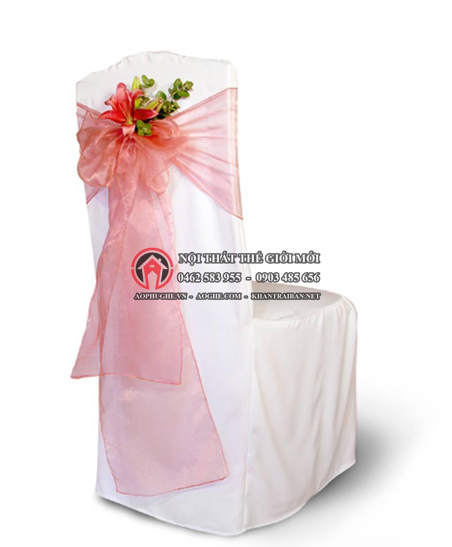 áo phủ ghế tiệc cưới