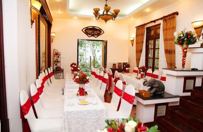 Áo phủ ghế nhà hàng - hà nội